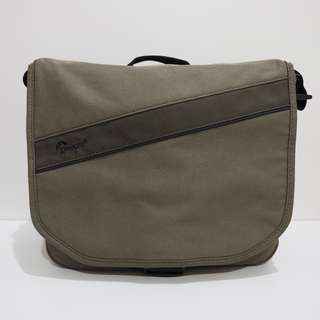 Used Lowepro Event Messenger 150 shoulder bag for Compact DSLR and Mirror less camera
