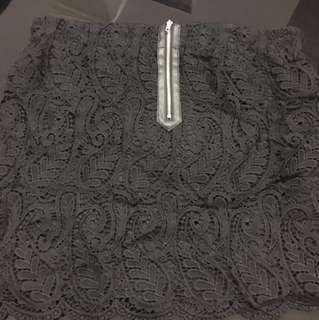 Pull and bear lace skirt