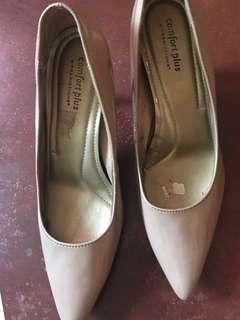 Payless Comfort Plus Nude Heels Size 8