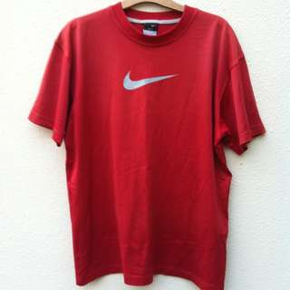 Genuine Nike Red Dry Fit T shirt. Size M.    In good condition.