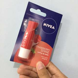 Nivea Strawberry Shine Lip Balm