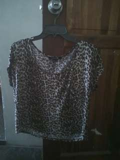 SELLING:FOREVER21 CROP TOP