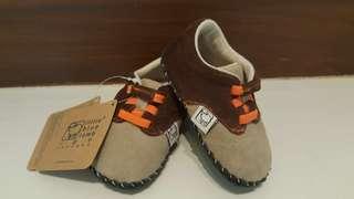 BNIB Little Blue Lamb Baby Pre-walker Shoes