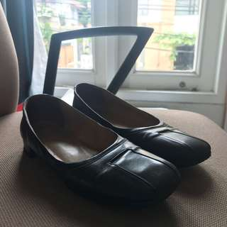 Bally womens leather shoes pre loved