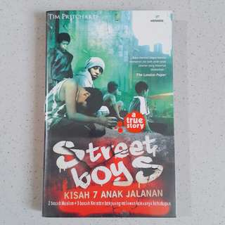 Novel Street Boys (sampul plastik)