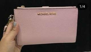 AUTHENTIC Michael Kors Jet Set Travel Phone Wallet