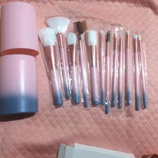 Ombre (Blue-Pink) MakeUp Brush