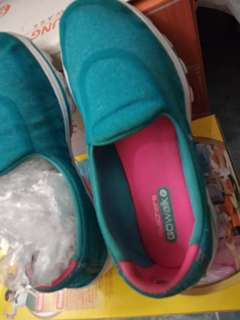 Sepatu anak Skechers go walk slip on shoes