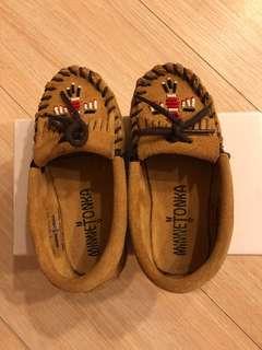 MinneTonka娃娃鞋