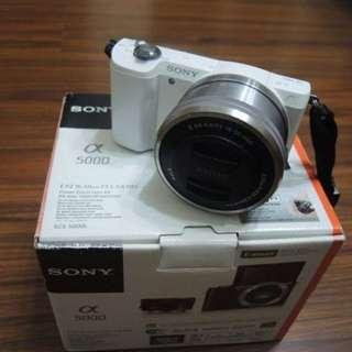 【出售】SONY A5000 + 16-50mm WiFi 微單眼相機