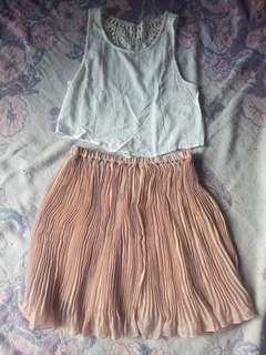 NUDE COLOR PLEATED SKIRT