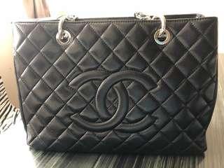 Chanel GST 荔枝皮,100 % real , 8-9 成新,有盒,有塵袋,購自香港專門店