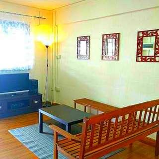 Yishun 3 room HDB near MRT!