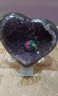 送給摯愛,烏拉圭心型紫水晶鎮,極閃爍,底背是瑪瑙,包底座。