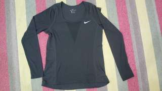 New Dri Fit Nike (W) Long Sleeve *Free Postage*