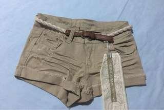 (brandnew) brown denim shorts w/belt