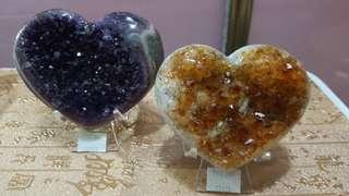 烏拉圭心形水晶鎮套裝,黃水晶及5 A級紫水晶,喻意成雙成對、心心相印,高質素產品,可遇不可求。