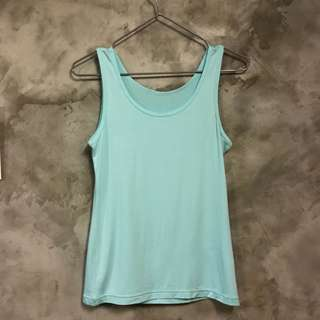 🚚 全新莫代爾湖水藍無袖背心 內搭 材質舒服