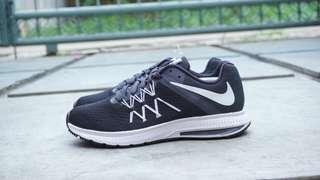 Nike zoom winflo 3 women black white