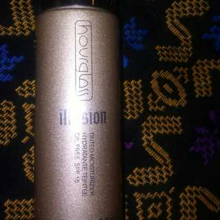 Hourglass illusion tinted moisturizer