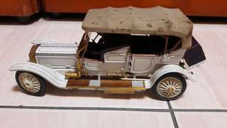 🚚 Franklin Mint 1911(少兩個輪胎頭燈,需修理)