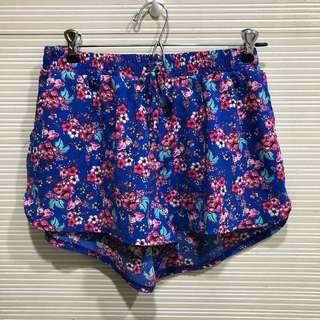 UK2LA Floral Shorts