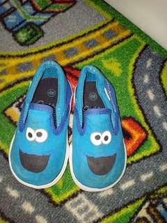 Sepatu sesame street sz.4w 11cm
