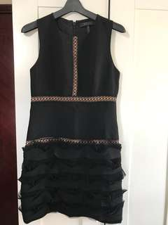 ✨全新✨BCBG 波浪修身小黑裙