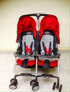 STROLLER FOR TWIN