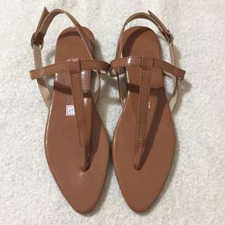 👠ONHAND POINTED FLAT SANDALS - SIZE 5 (22CM)