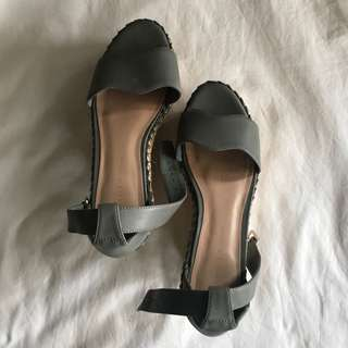 CHARLES & KEITH WEDGES