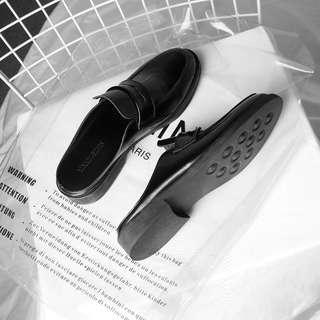 笑 / 皮鞋式懶人鞋