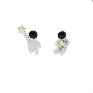 日系太空五角星可愛航天員個性耳釘