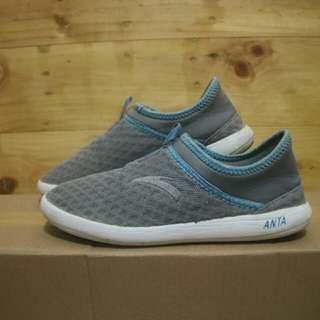 Anta slip on grey shoes