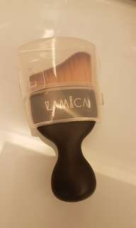 Lamica curved foundation brush kuas makeup