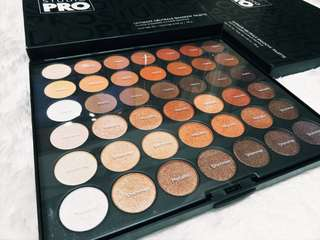 bh Cosmetics Studio Pro Ultimate Neutral Palette