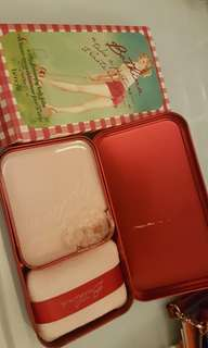 Benefit bathina glowing shimmer body balm