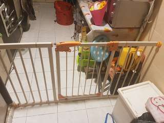 baby safety gate wt spare 2pcs