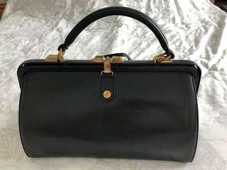 Goldpfeil 黑色皮手袋