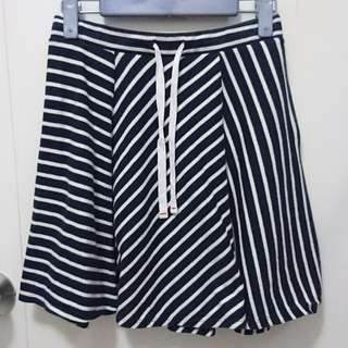 Uniqlo 藍白色斜紋間條棉質短裙 Striped Navy White Cotton Skater Skirt