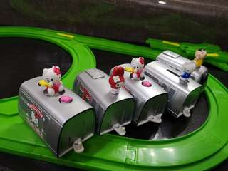MTR Hello Kitty 車一套