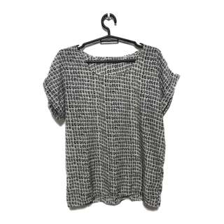 Printed grey and white top