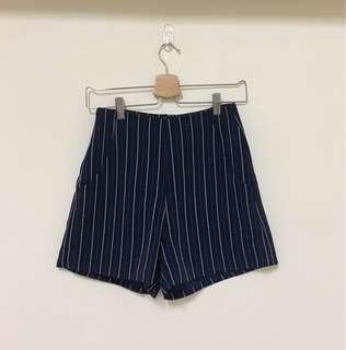 Queen Shop 直紋短褲