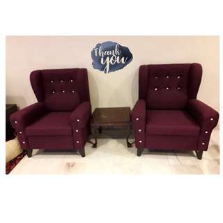 BERRY WING CHAIR