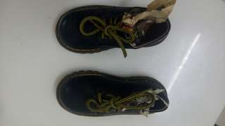 dr marten shoe for boys