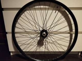 Selling a pair of Chris king wheelset 27.5