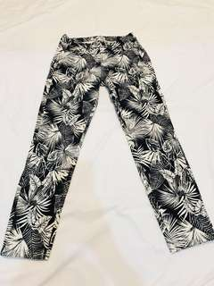 Uniqlo Tropical Cropped Pants