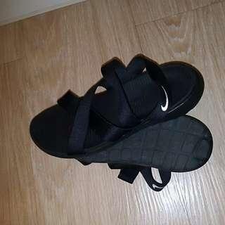 nike 黑色 羅馬 繃帶 涼鞋