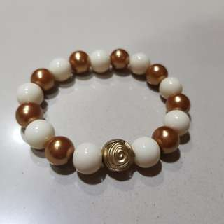 Gelang (arm candy)