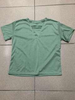 🚚 綠色短T-shirt